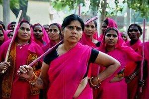 Photo of Sampat Pal Devi & the Gulabi Gang  Source: Gulabi Gang website